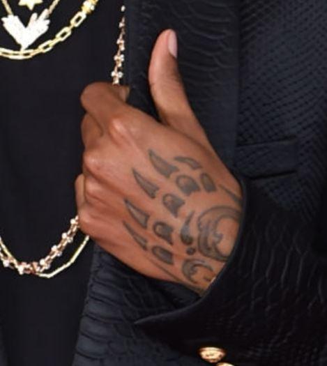 6lack claw tattoo