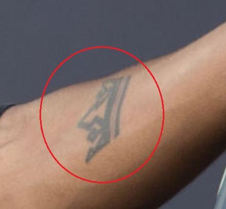 6lack crown tattoo