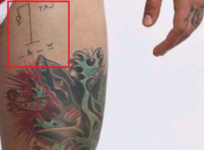 Alex-Minsky-Thigh-Tat-Tattoo