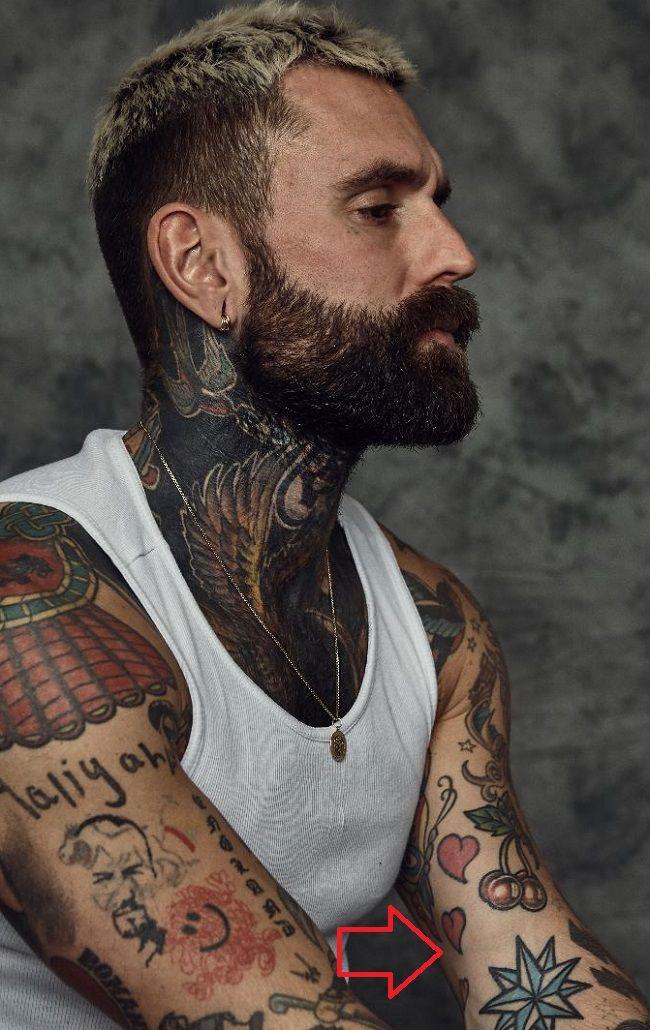 Ricki Hall-Tiny Hearts-Tattoo