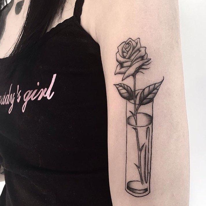 kreayshawn rose tattoo