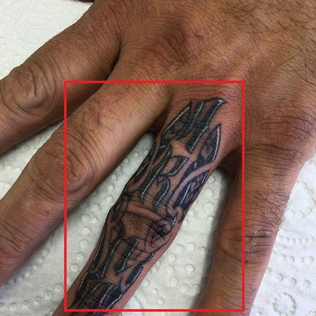 Jason Suttie-Finger-Tattoo