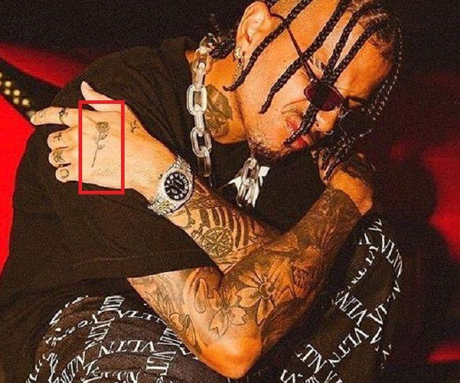 Rauw Alejandro-Rose-Tattoo