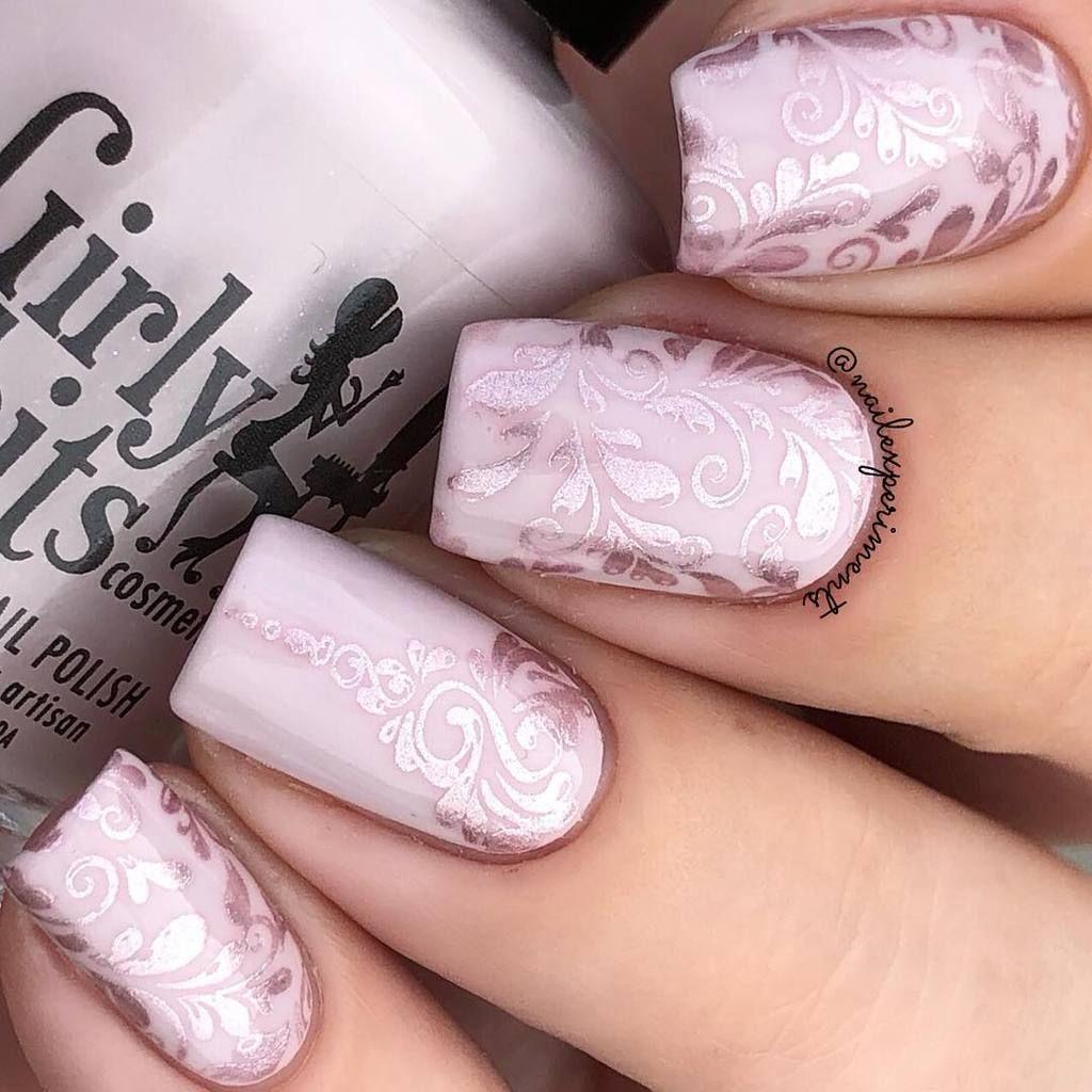 Swirl Nail Art Design