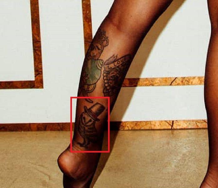 Christy Mack-Tattoo on her leg
