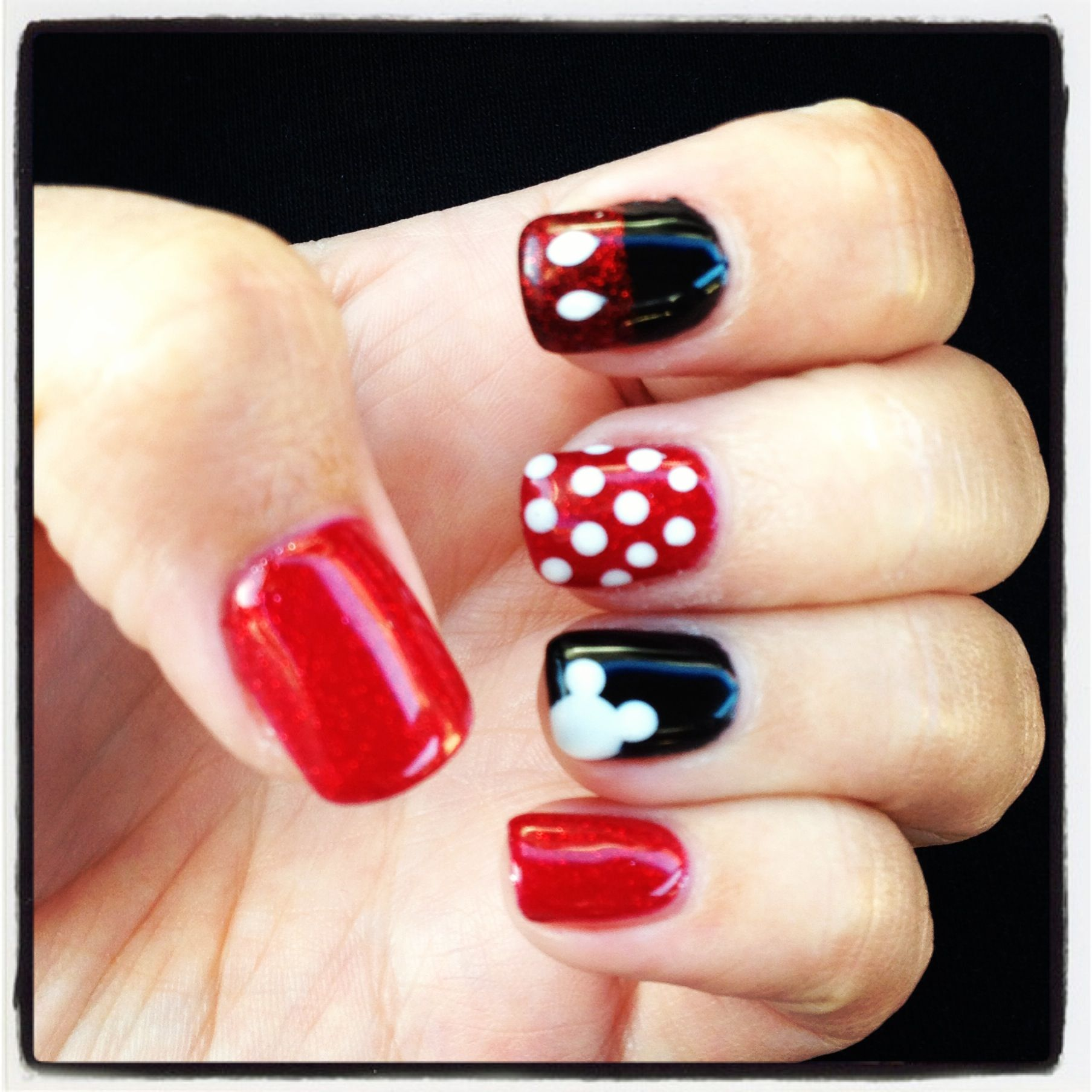 Minne Mouse Nail Art