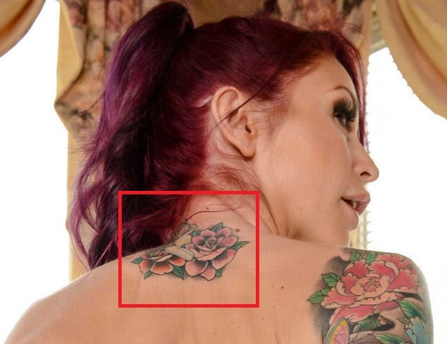 Neck of Monique Alexander