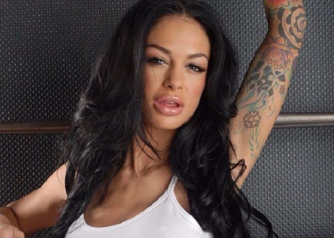 Angelina Valentina-Tattoos