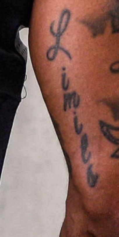 Deshaun writing tattoo