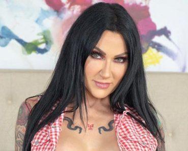 Jenevieve Hexxx-Tattoos