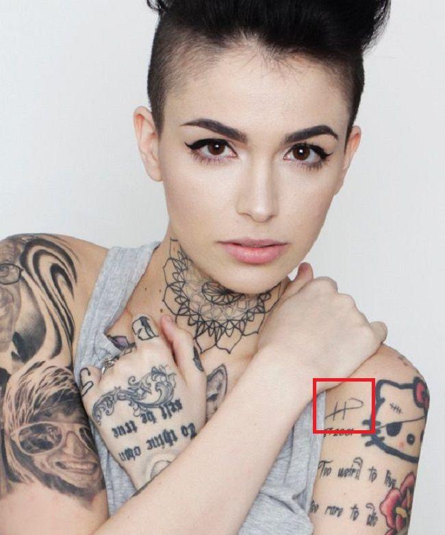 Leigh Raven-Shoulder