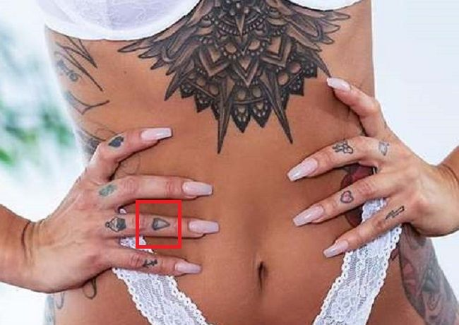 Alison avery-diamond-tattoo