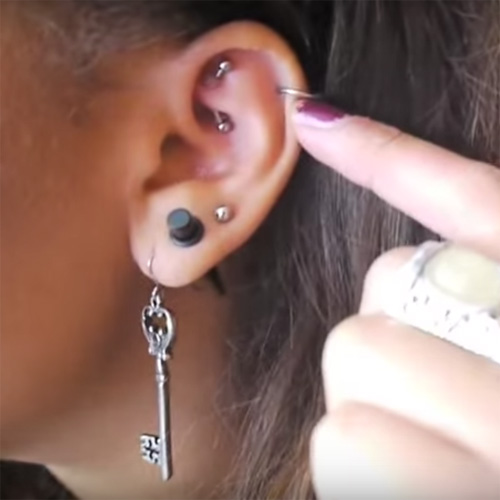 stretched-ear-lobes