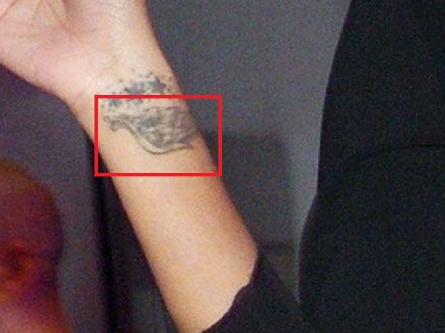 Solange Knowles-wrist tattoo (1)