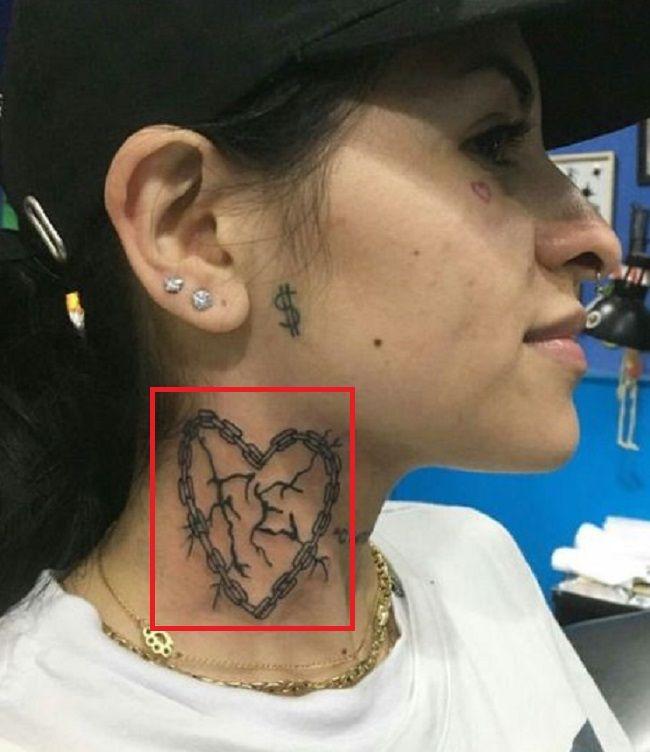 neck tattoo of Cazzu