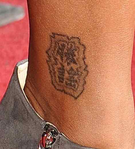 Brandy Norwood chinese tattoo