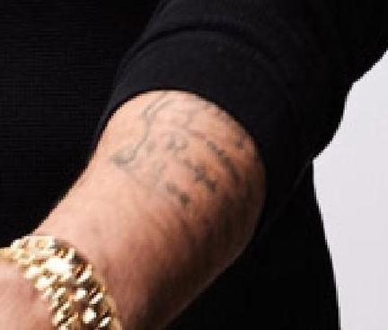 Lucas left arm writing