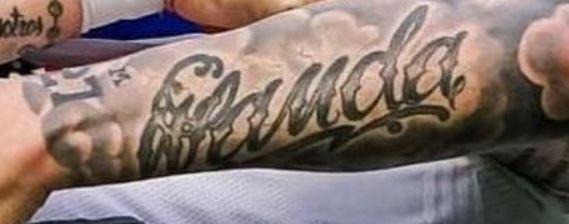 Mauro left arm writing