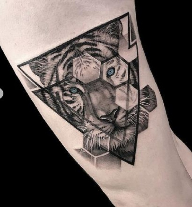 'Hexagon Tiger' Tattoo
