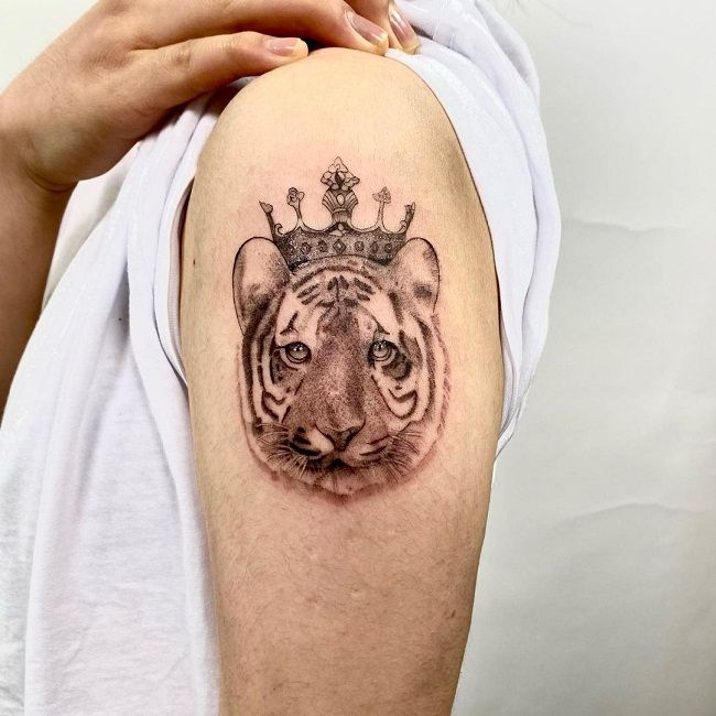 'Tiger with the Crown' Tattoo