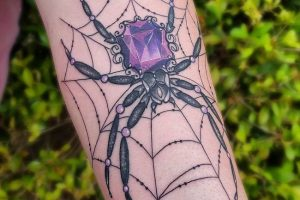 'Spider holding a Gem Stone' Tattoo