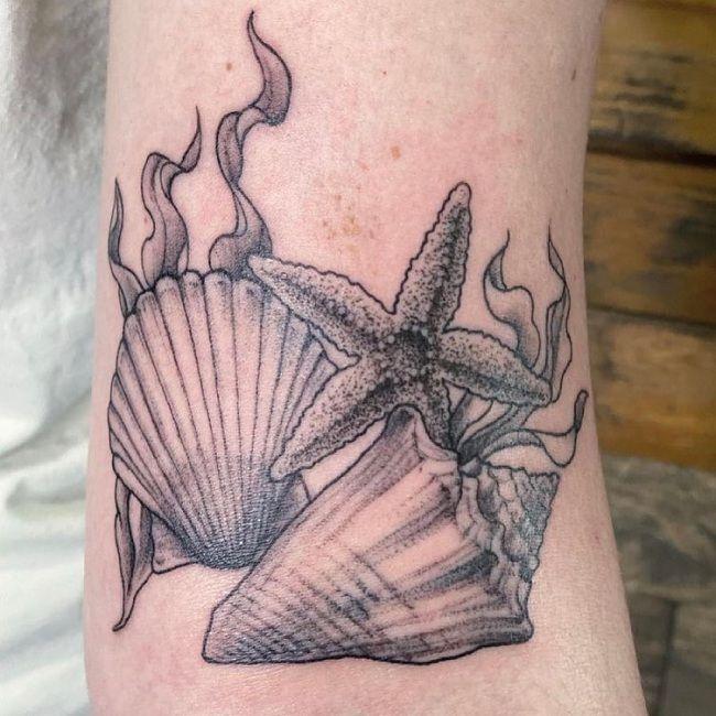'Starfish with Seaweed and shells' Tattoo