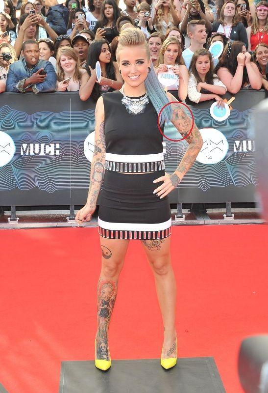 Phoebe Dykstra Tattoo on her Left Upper arm
